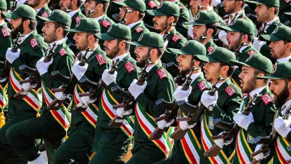 Pourquoi faut-il renverser la République Islamique?